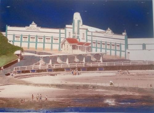 Newcastle Ocean Baths 400mm x 300mm Ceramic Photograph
